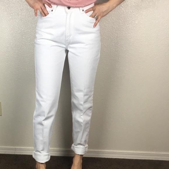 59b5e3919ba82 Levi s Denim - Levi s 512 White High Waisted Mom Jeans High Rise